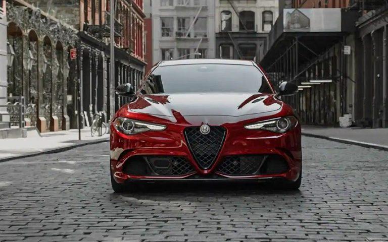 Combien coûte l'Alfa Romeo Giulia 2021?